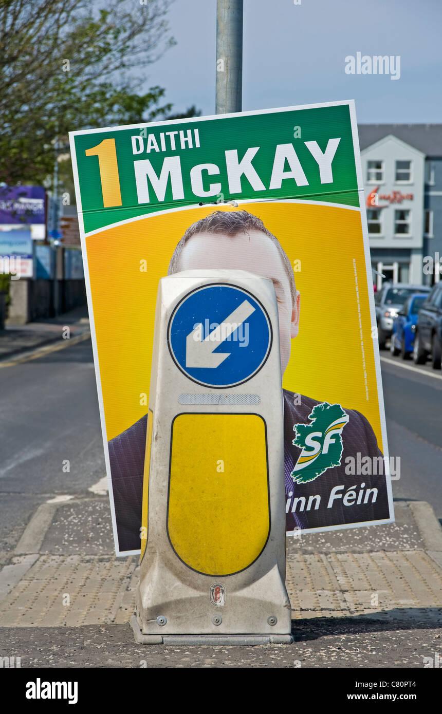 Sinn Féin Wahl Plakat, Ballycastle, Nordirland Stockbild