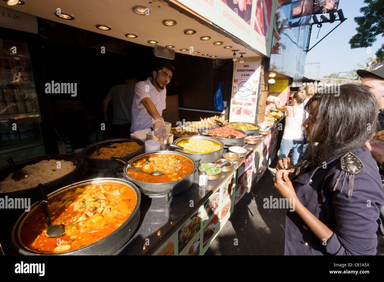 London, Camden Town, Lock, Ställe Dorf Markt bunte bunte Halal ...
