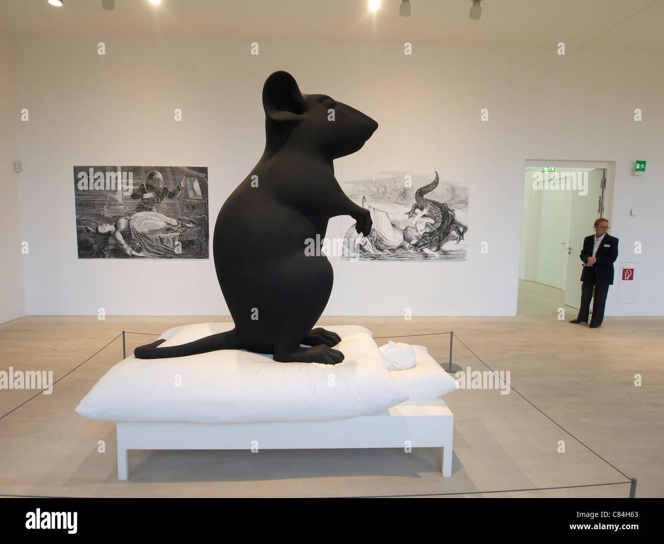 Moderne Kunst Skulpturen moderne kunst skulptur mann und maus von katharina fritsch in k21