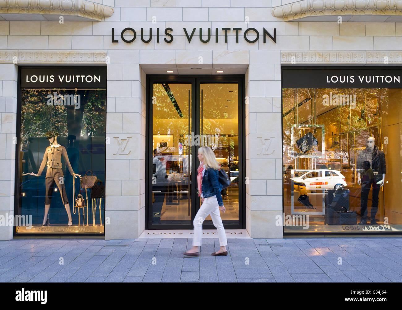 14604283fa942 Louis Vuitton gehobenen Mode-Boutiquen auf Konigsallee in Düsseldorf in  Deutschland