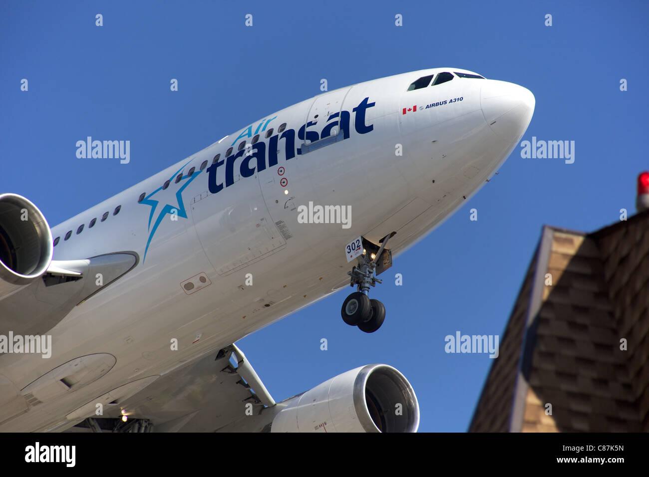 Air Transat Airbus A310 Landing Stockfotos Air Transat Airbus A310