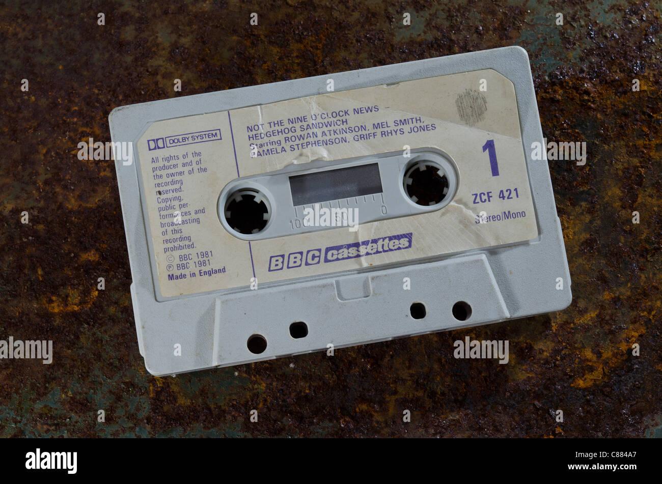 Audio Kassette Tape of nicht die neun Uhr Nachrichten Comedy show von der BBC aufgezeichnet in den frühen 80er Stockbild
