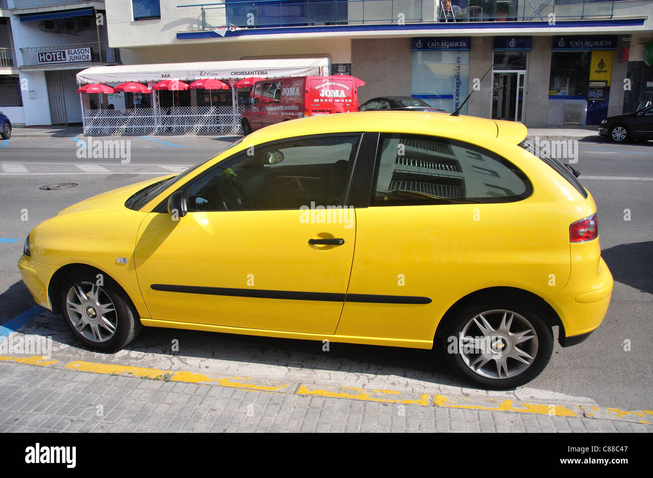 seat ibiza car stockfotos seat ibiza car bilder alamy. Black Bedroom Furniture Sets. Home Design Ideas