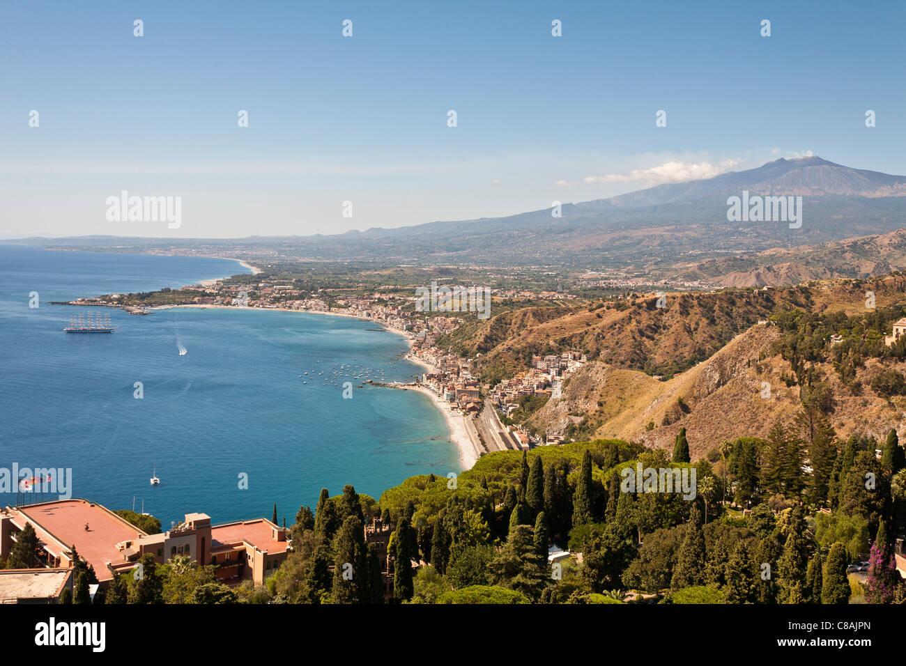 Hotel giardini naxos schlafen und aufenthalt in giardini naxos
