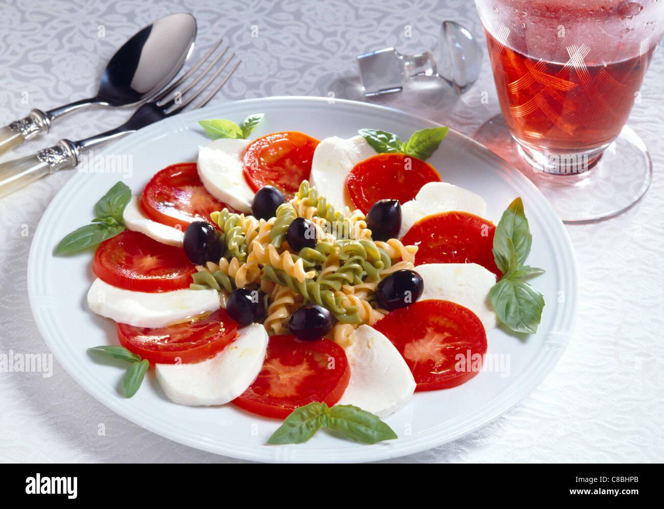 Tomatensalat mit Mozzarella Stockbild