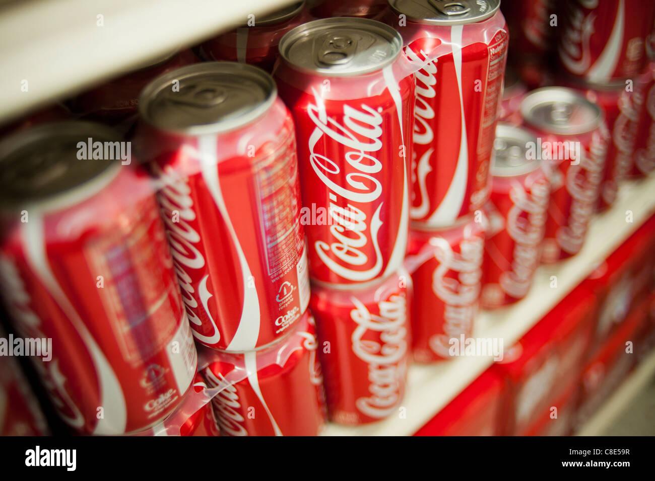 Mini Kühlschrank Nuka Cola : Coca cola dose mini kühlschrank mini kühlschrank red bull dose ᐅ