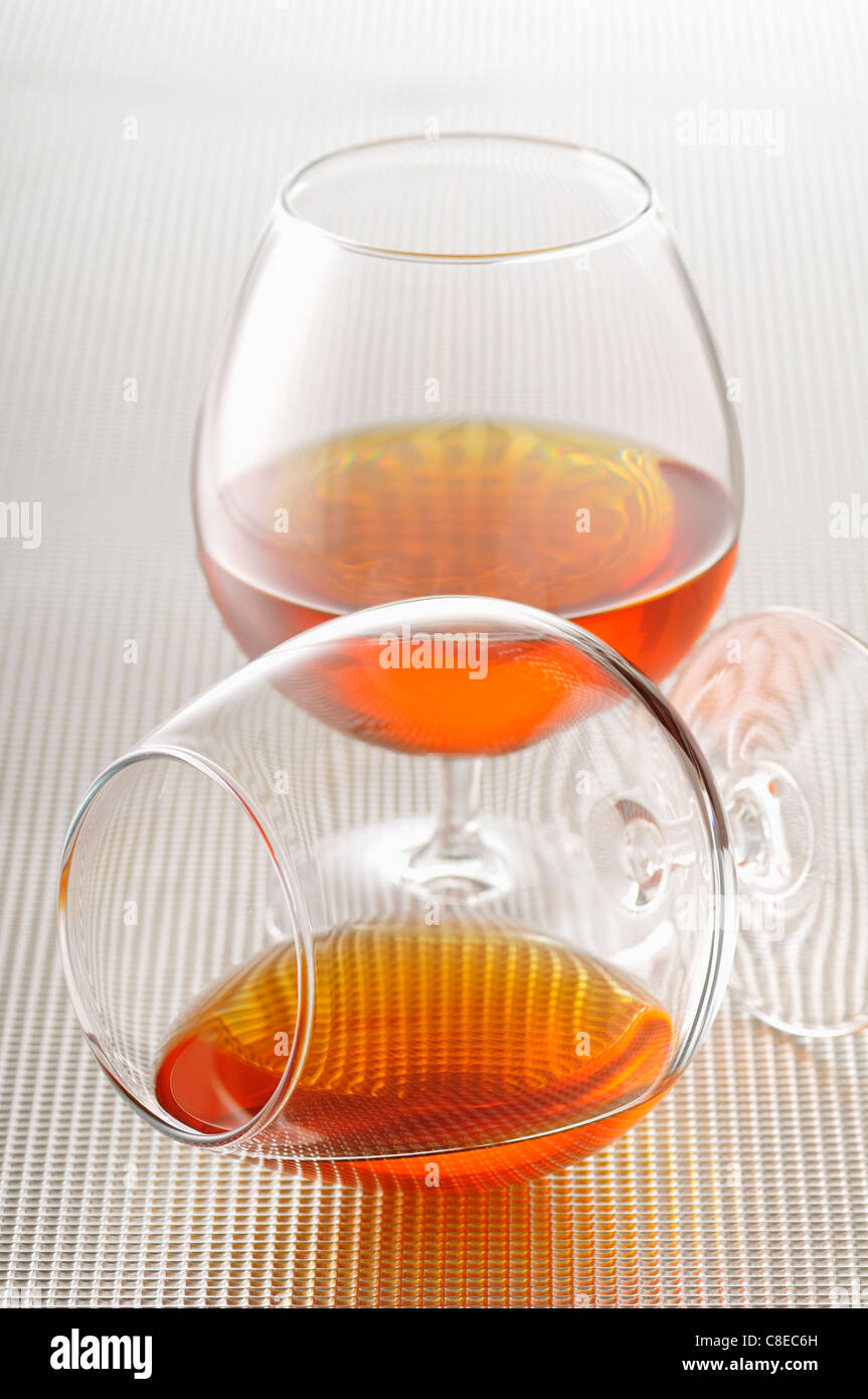 Zwei Gläser Cognac Stockbild