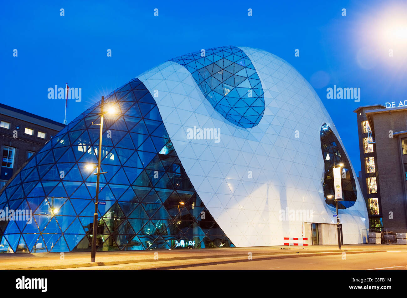 Moderne Architektur in 18 Septemberplein entworfen von italienischen Architekturbüro von Massimiliano Fuksas, Stockbild