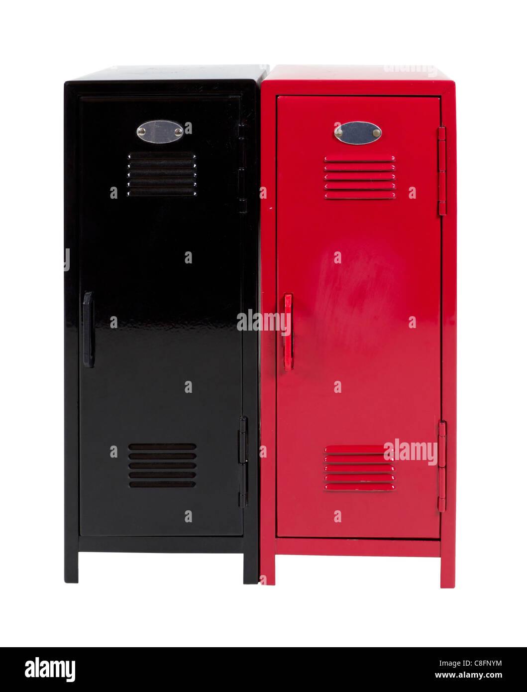 Schwarze und rote Metall Schränke verwendet, um Elemente zu ...