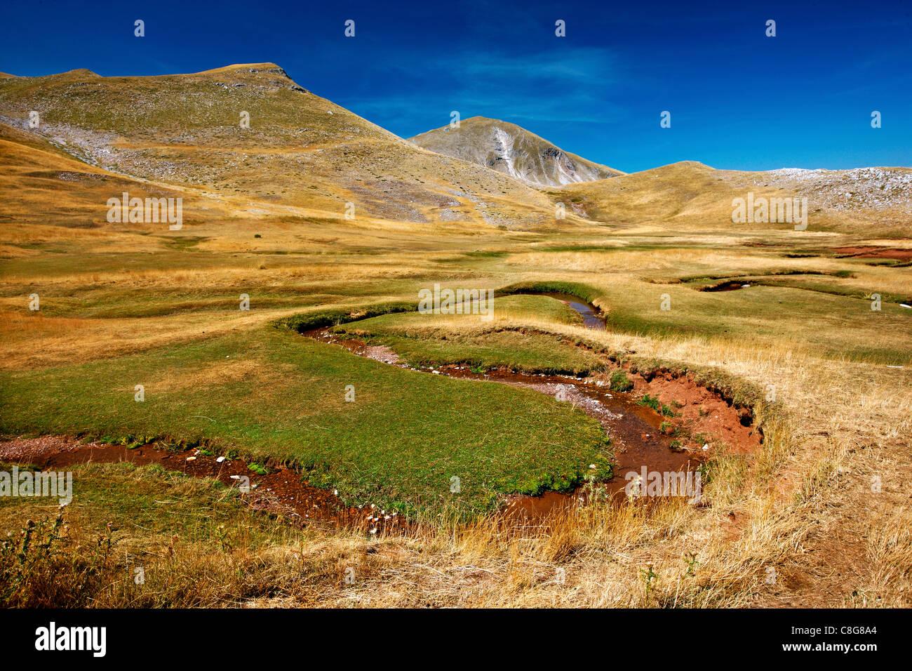 """Verliga, die Quellen des Acheloos (auch bekannt als """"Aspropotamos"""") Region, Pindos-Gebirge, Trikala, Thessalien, Stockbild"""