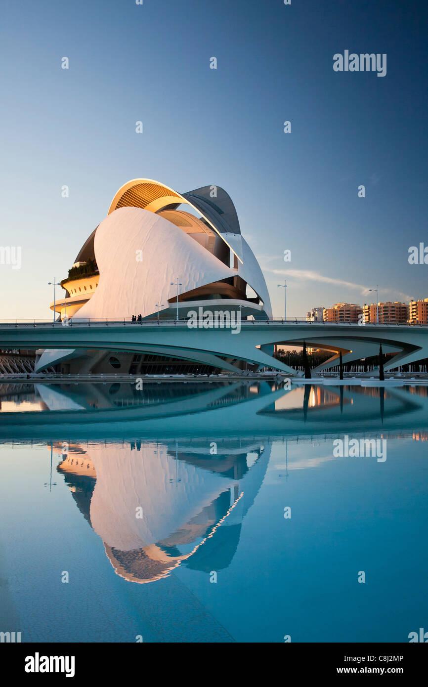 Spanien, Europa, Valencia, Stadt der Künste und Wissenschaften, Calatrava, Architektur, modern, Palast der Künste, Stockfoto