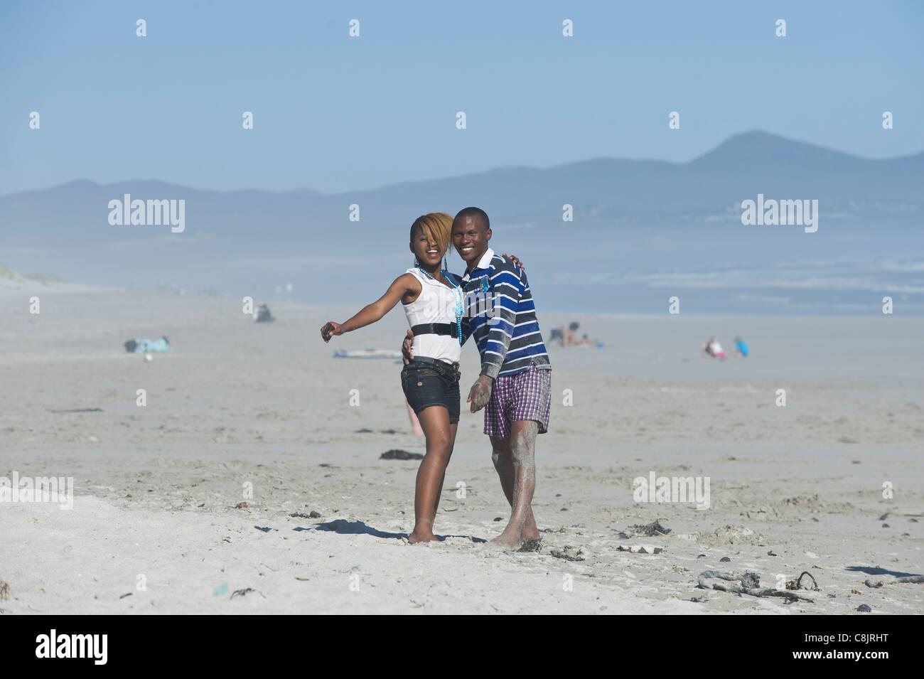 Teenager-Freunde am Grotto Beach Western Cape Südafrika Stockbild