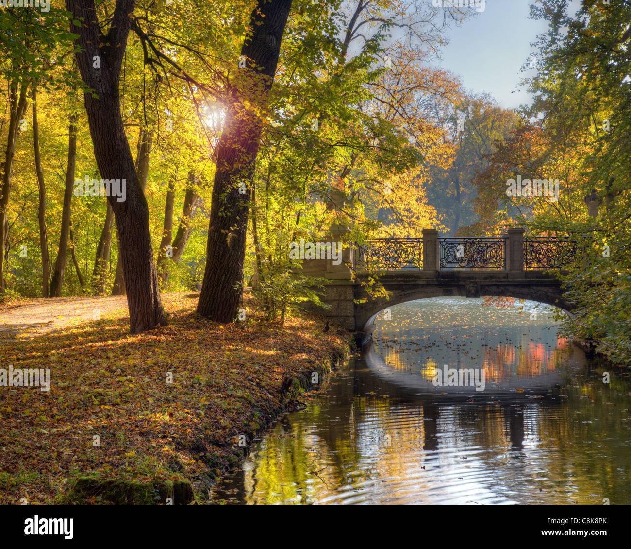 DE - Bayern: Herbst im Park von Schloss Nymphenburg, München Stockbild