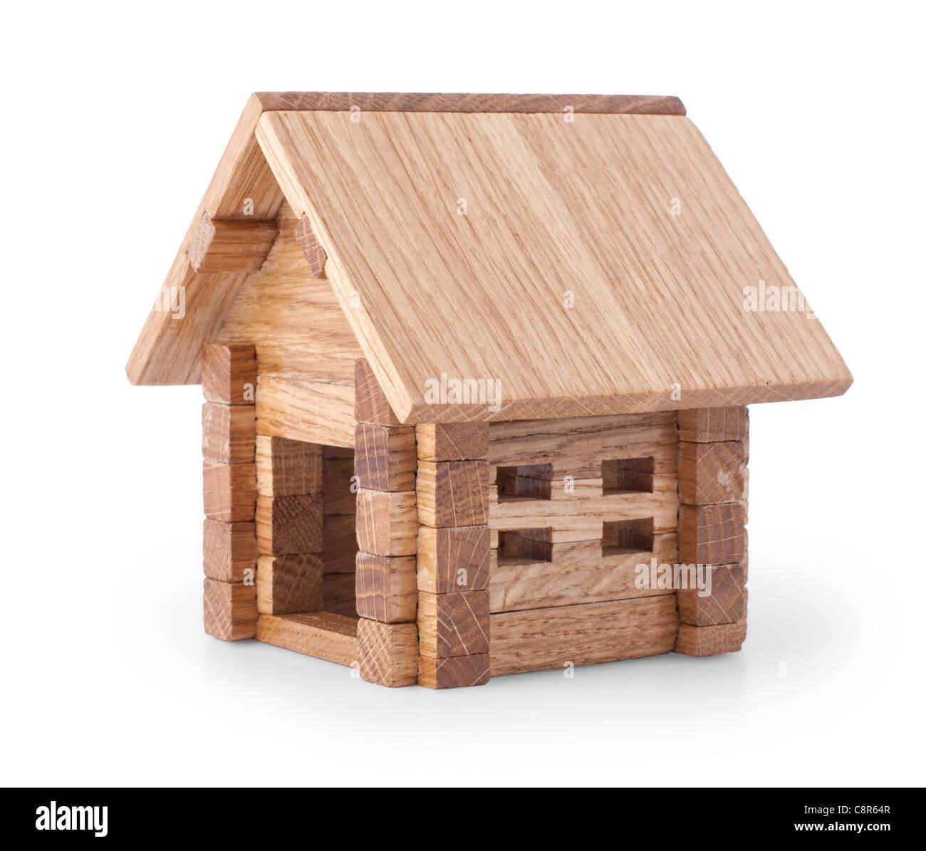 Holz Haus Haensler: Spielzeug Aus Holz Haus Isoliert Auf Weißem Hintergrund