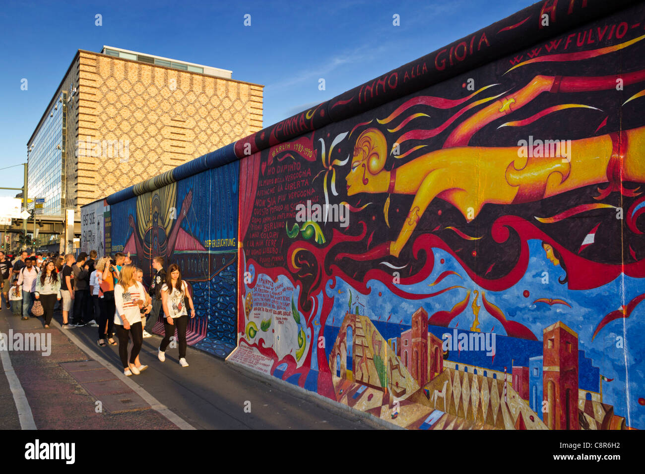 Berliner Mauer Wandbild, East Side Gallery, Berlin, Deutschland Stockbild
