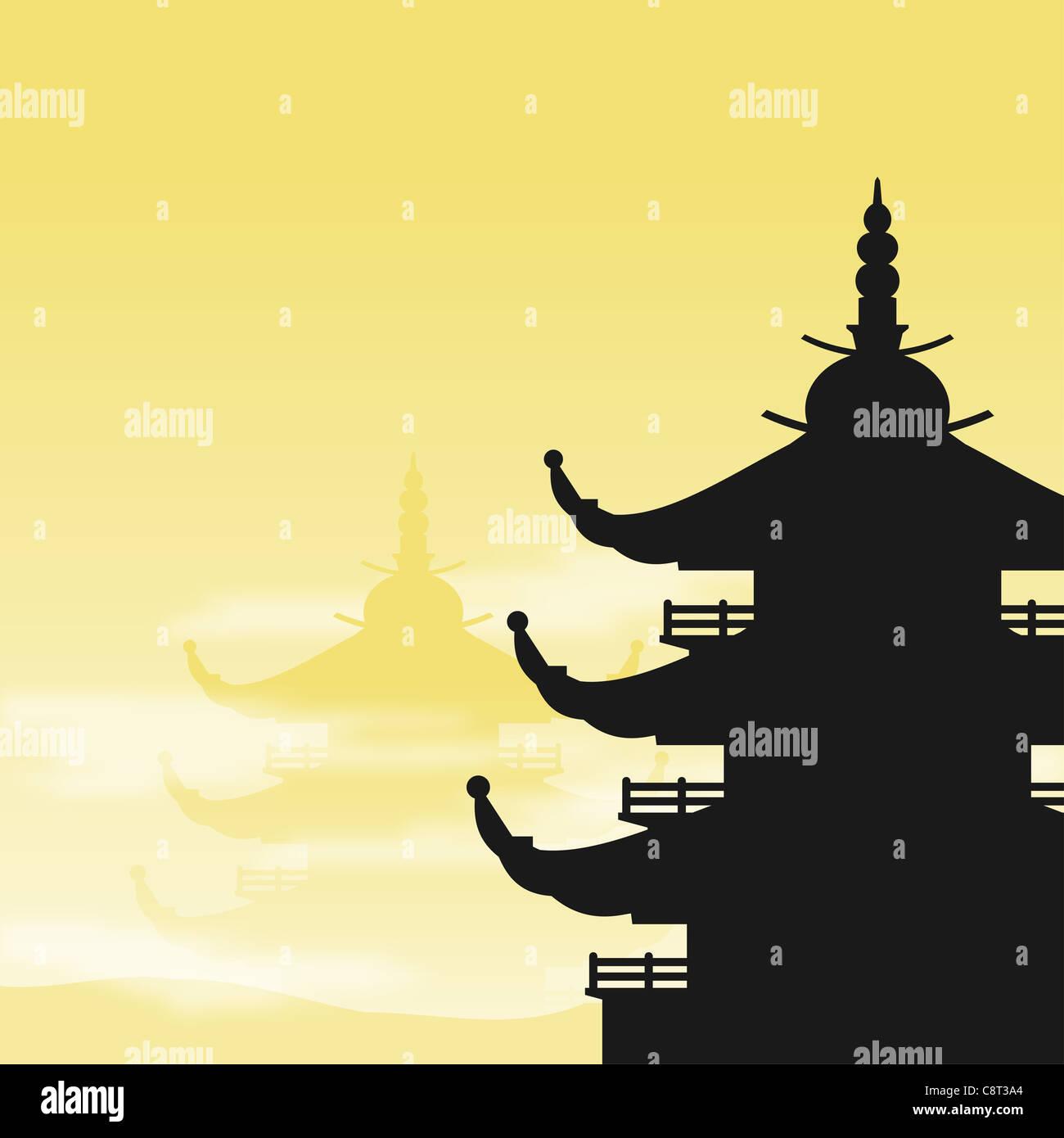 Asiatische Pagode Silhouette in der Morgendämmerung mit gelbem Hintergrund und Nebel Stockbild