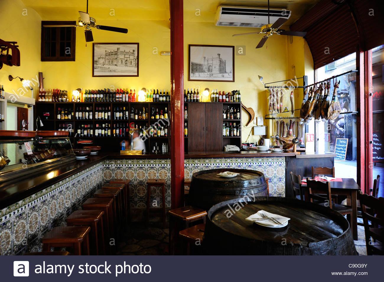 innendekoration bar restaurant la boveda in der altstadt