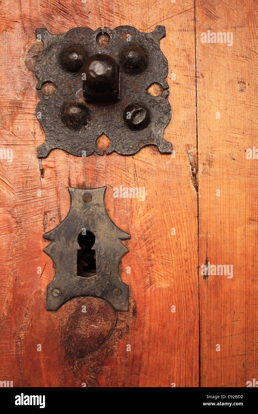 Fabulous Tür Türen Behandeln Schlüsselloch Möbel Holz Stockfotos & Tür SZ91