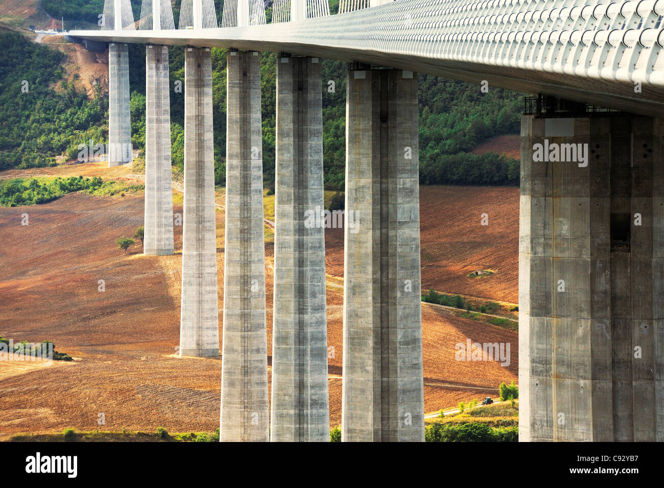 france french motorway autoroute stockfotos france french motorway autoroute bilder alamy. Black Bedroom Furniture Sets. Home Design Ideas