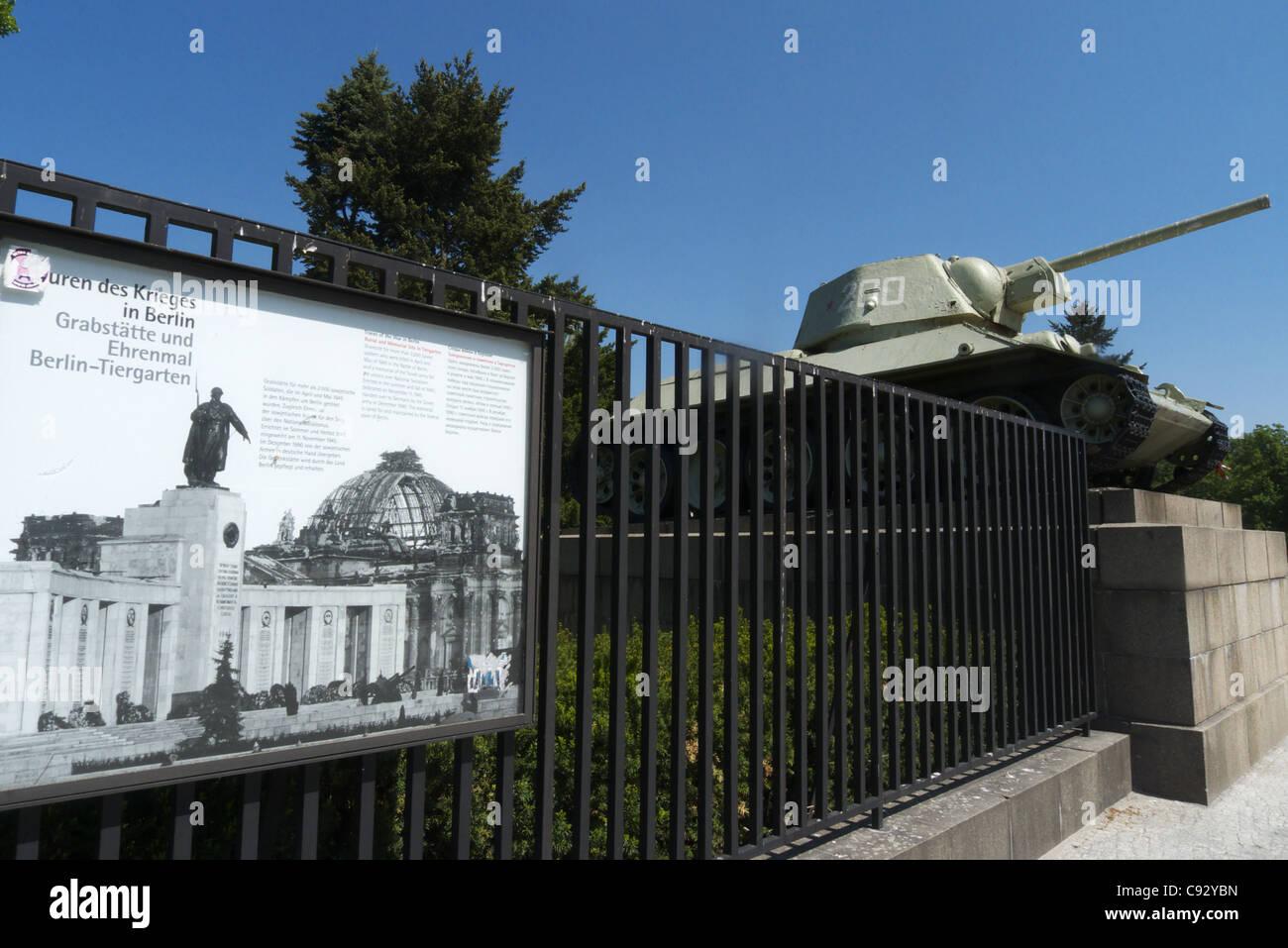 Das russische Ehrenmal am Tiergarten auf Straße des 17. Juni, Berlin, Deutschland Stockfoto