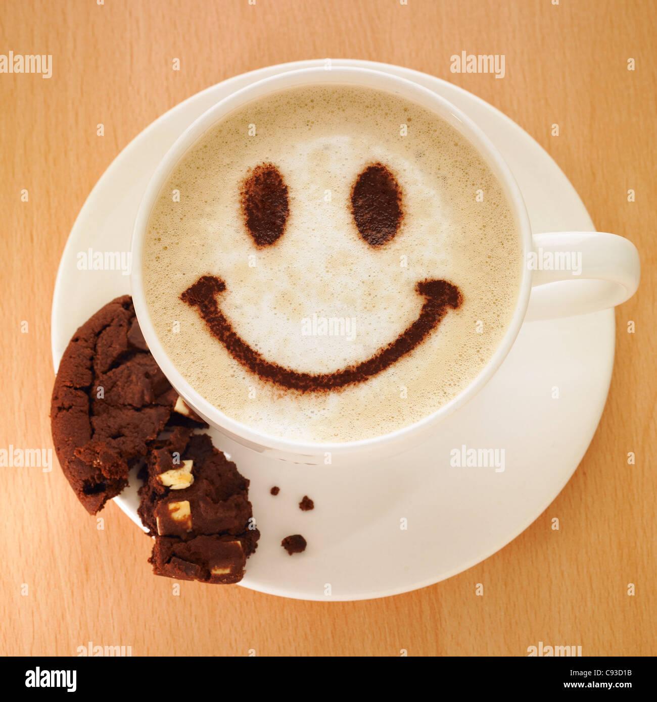 Cappuccino Kaffee Mit Smiley Gesicht In Kakaopulver Und