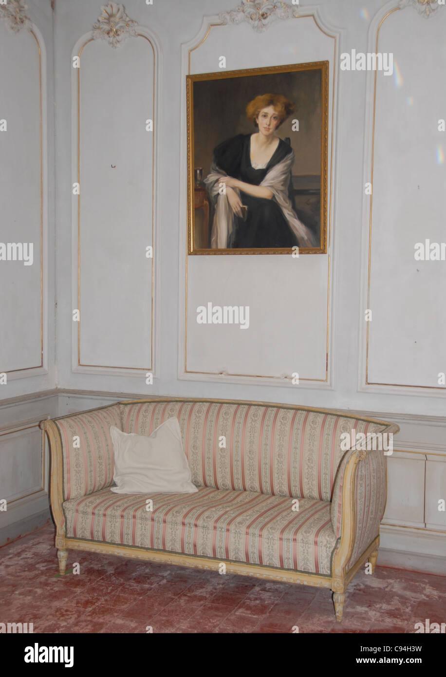 Salon De The Paul Stockfotos & Salon De The Paul Bilder - Alamy