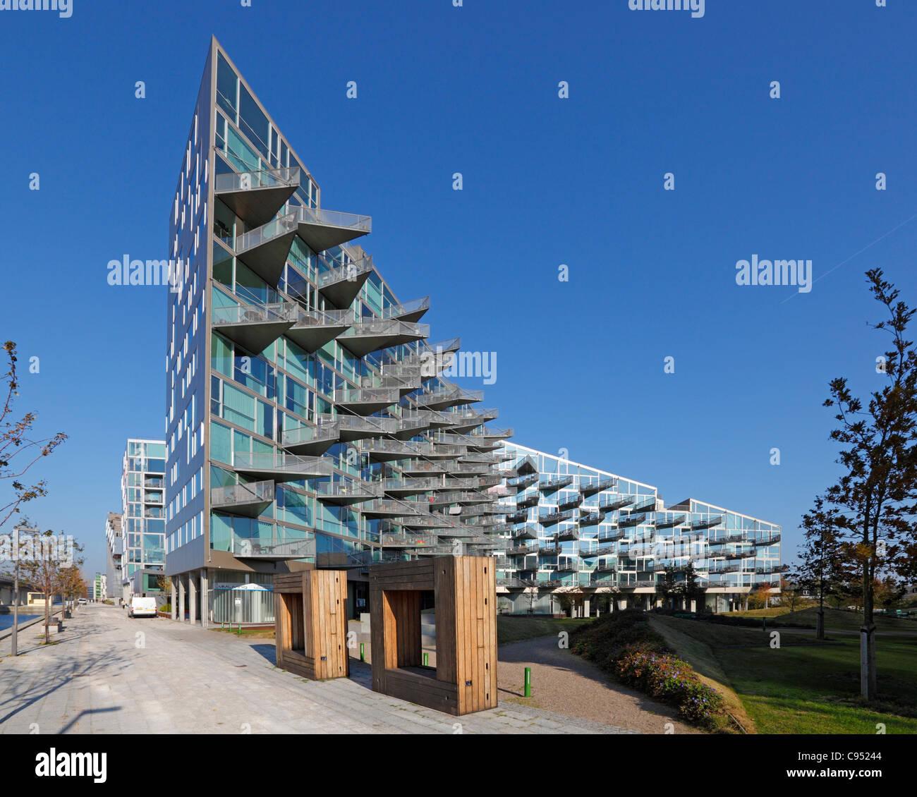 Die vm husene geb ude eine preisgekr nte wohnhaus in for Moderne architektur wohnhaus