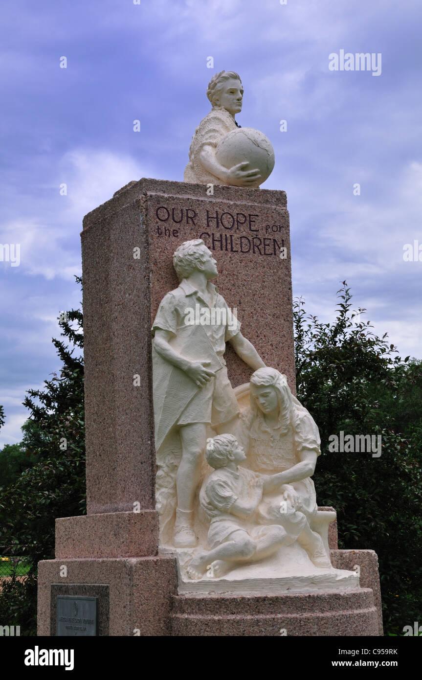 """Denkmal mit dem Titel """"Unsere Hoffnung für die Kinder"""" von Boyd engagierten Oktober 1976 in der American Stockbild"""