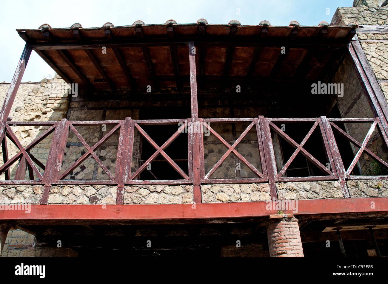 Das Raster-Haus, benannt nach der Technik, die Wände zu bauen, in ...