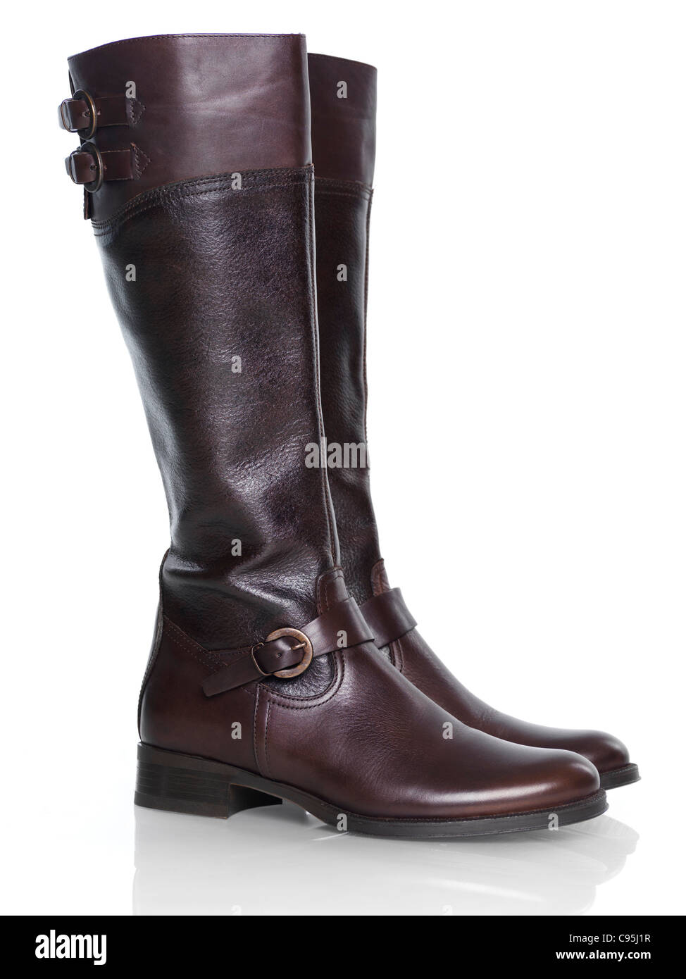 Kniehohen braun Mode Damen Lederstiefel isoliert auf weißem Hintergrund  Stockbild d23403cae9