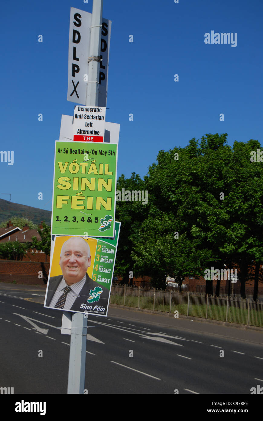 Sinn Féin Wahl Plakat 2011 Nummer 3001 stimmen Stockbild