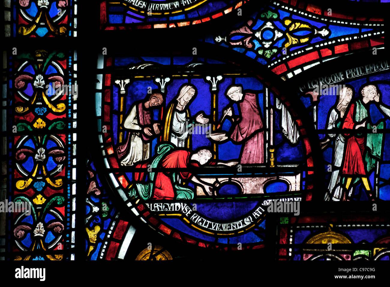 Heilung von Richard Sunieve, Becket Wunder Fenster 6, Trinity Chapel ambulante, mittelalterliche Glasmalerei Canterbury Stockbild