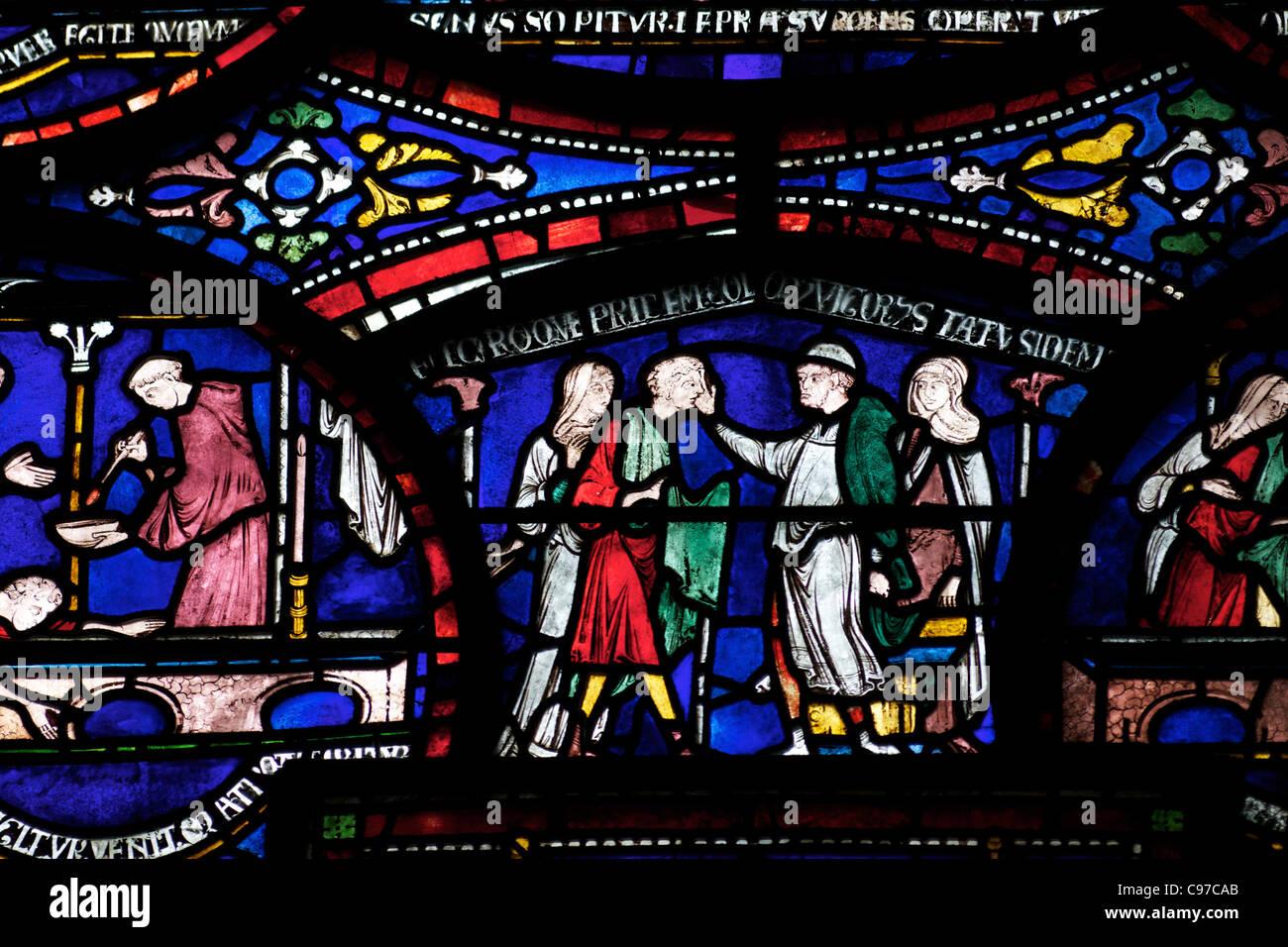 Heilung von Richard Sunieve, Becket Wunder Fenster 6, Trinity Chapel ambulante, mittelalterliche Glasmalereien, Stockbild
