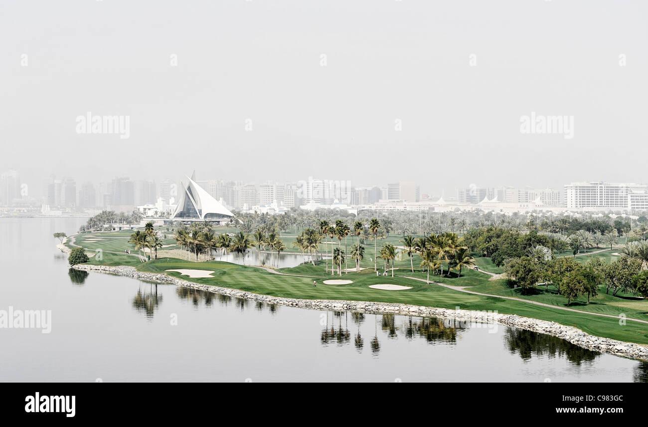 DUBAI CREEK, mit Blick auf Dubai Creek Golf Club, Dubai, Vereinigte Arabische Emirate, Naher Osten Stockbild
