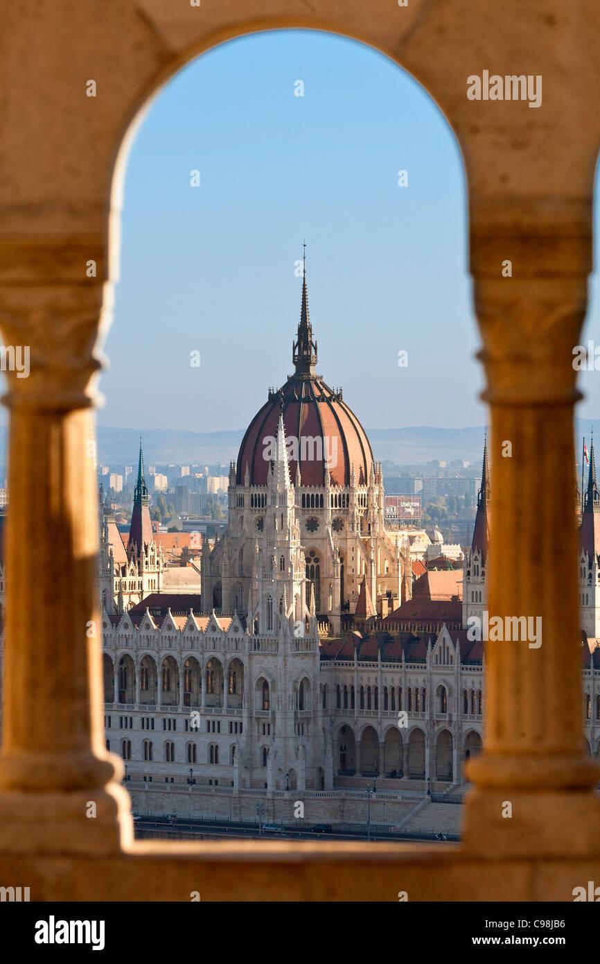 Budapest, Parlamentsgebäude Blick von der Fischerbastei Stockbild