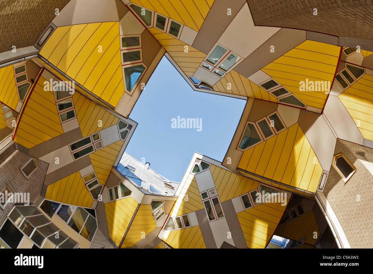 fisheye blick auf die ber hmte kubische h user rotterdam. Black Bedroom Furniture Sets. Home Design Ideas