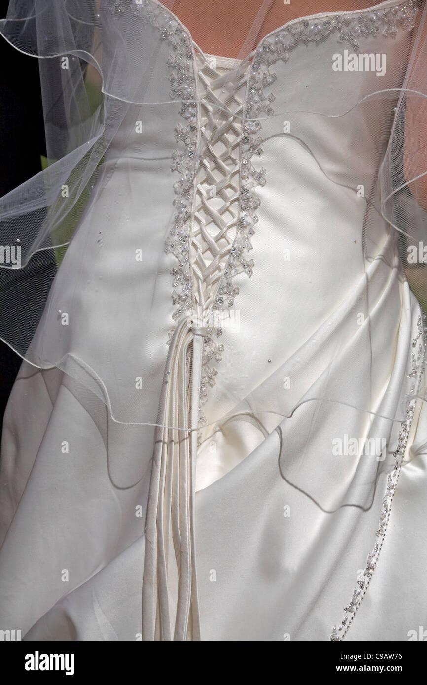 Details auf der Rückseite des Hochzeitskleid Stockbild