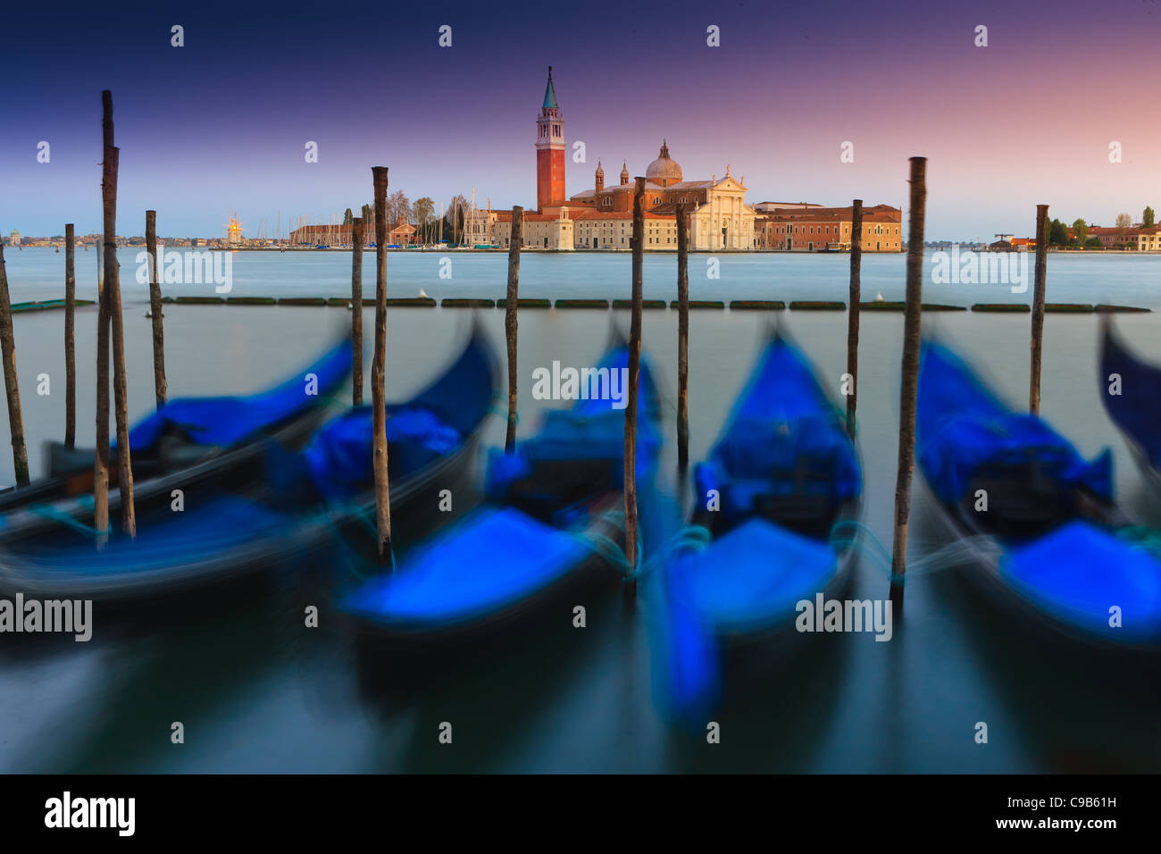 Sonnenaufgang in Venedig mit Blick vom San Marco Platz in Richtung San Giorgio Maggiore Stockbild