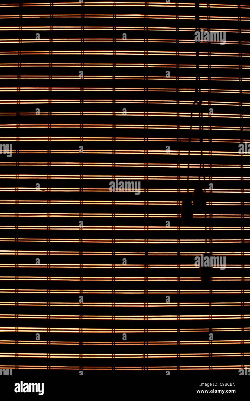 Beleuchteten Heckscheibe Bambus Jalousien Geschlossen Stockfoto