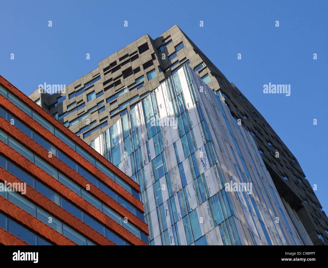 Zeitgenössische Architektur auf der Zuidas finanziellen Bezirk von Amsterdam, Niederlande Stockbild