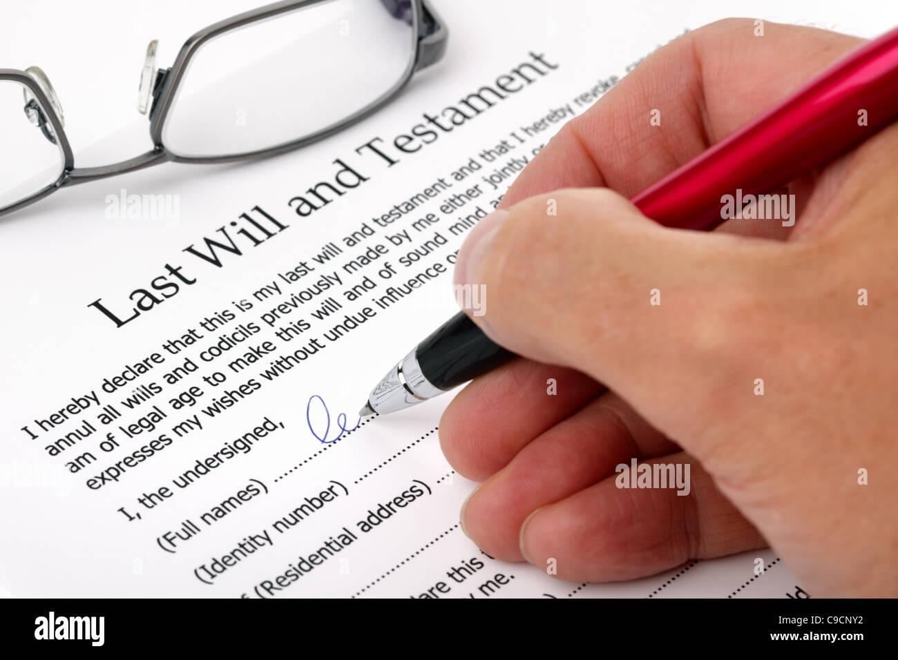 Unterzeichnung des letzten Willen und Testament Stockbild