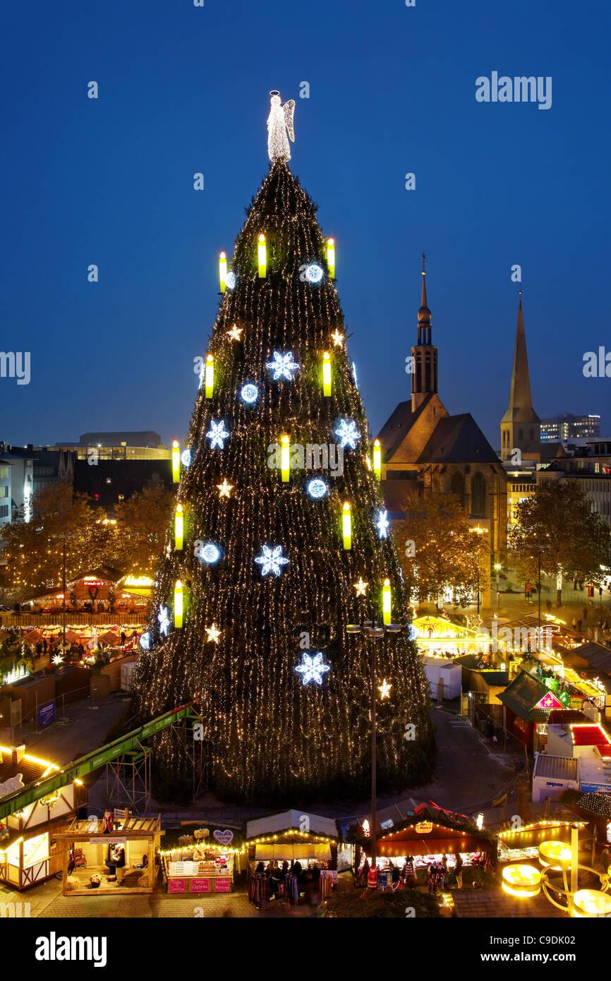 Größter Tannenbaum Deutschlands.Dortmund Deutschland Der Größte Weihnachtsbaum Der Welt Stockfoto