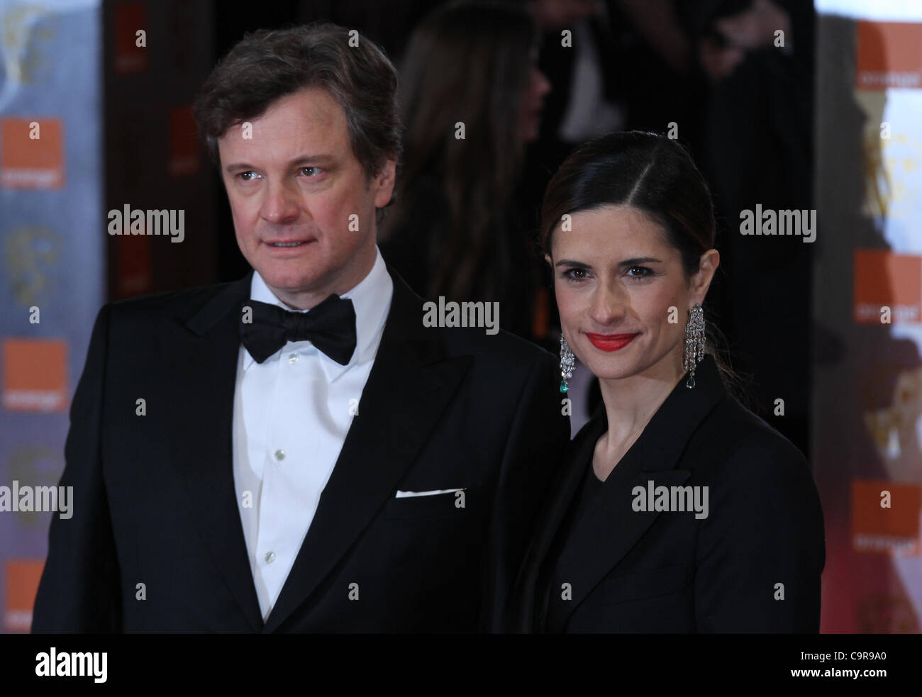 London, UK, 02.12.2012 Colin Firth & Livia Giuggioli kommt für die Orange British Academy Film Awards (BAFTAS) Stockbild
