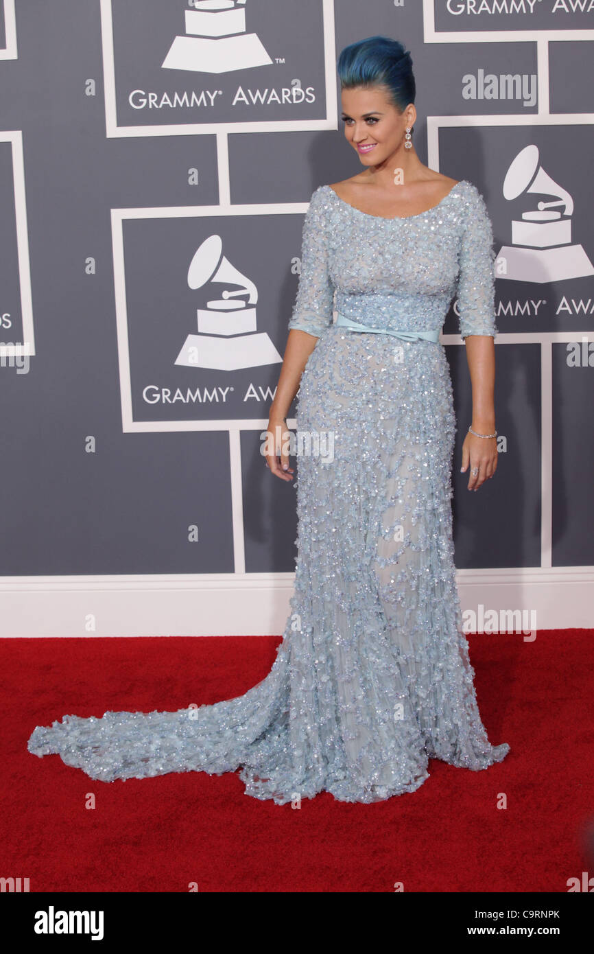 c138d3da3e Februar 2012 - Los Angeles, Kalifornien, USA - KATY PERRY trägt hellblau