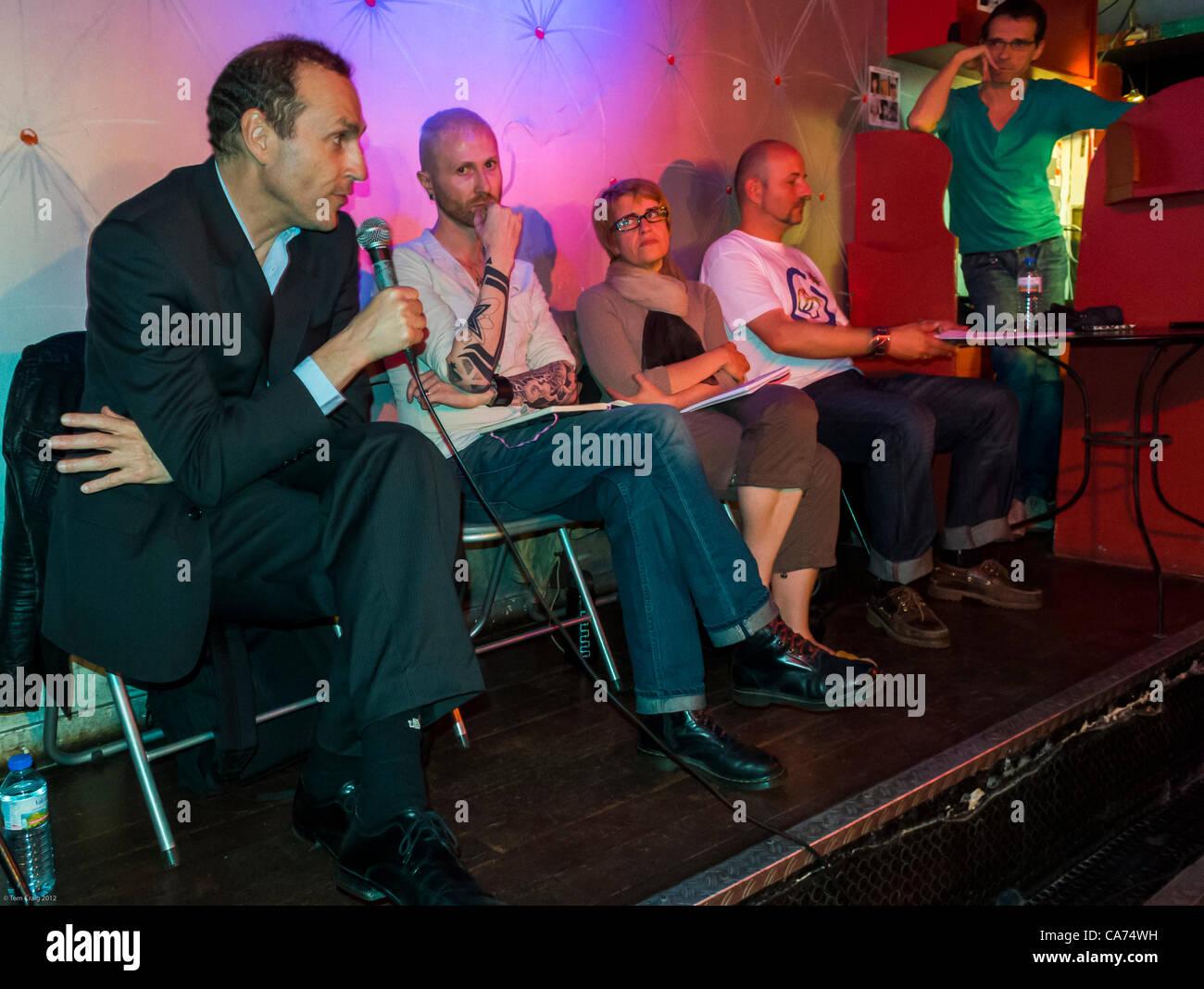 Paris, Frankreich, AIDS-Krise, Schwule Prävention Strategie öffentliche Versammlung (Jean Michel Molina, Stockbild