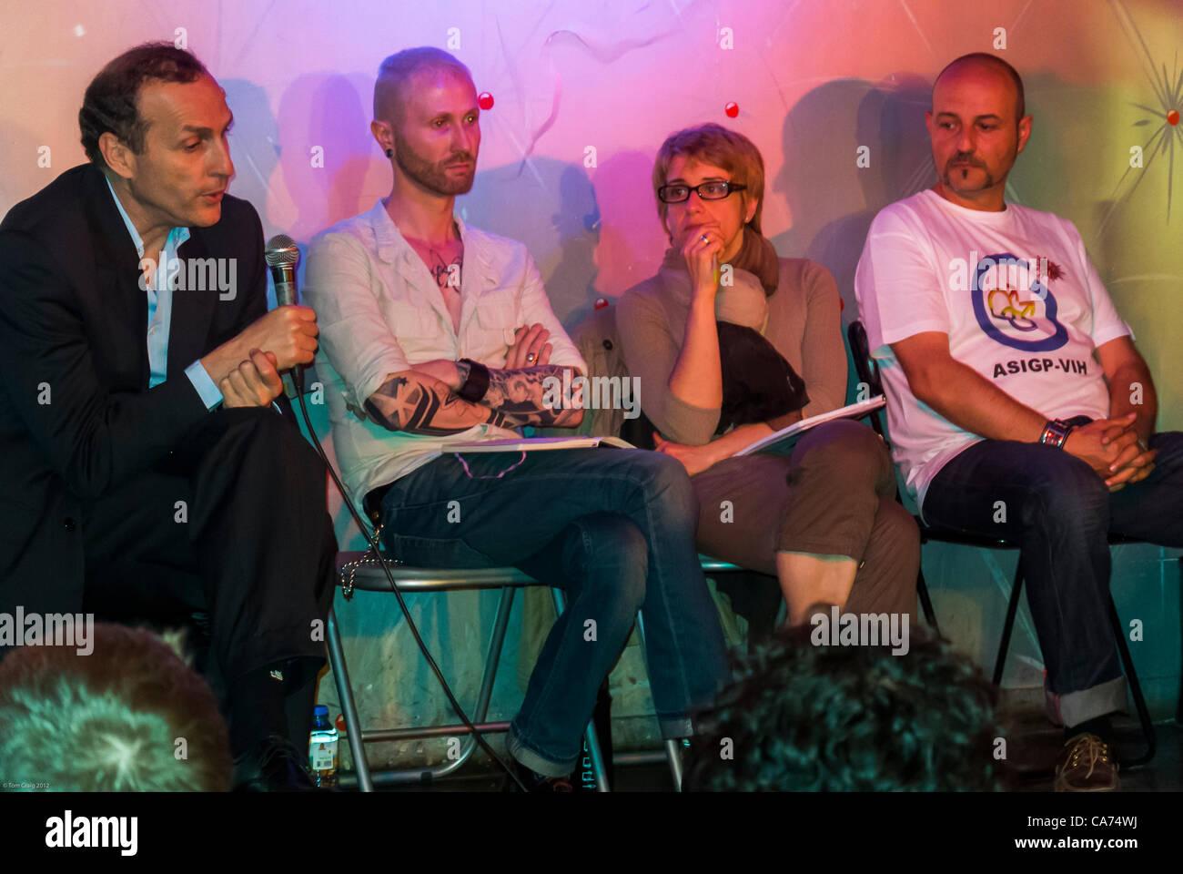 Paris, Frankreich, 30. Jahrestag der AIDS-Krise, Gay Men es Prävention Strategie öffentliche Sitzung, Stockbild