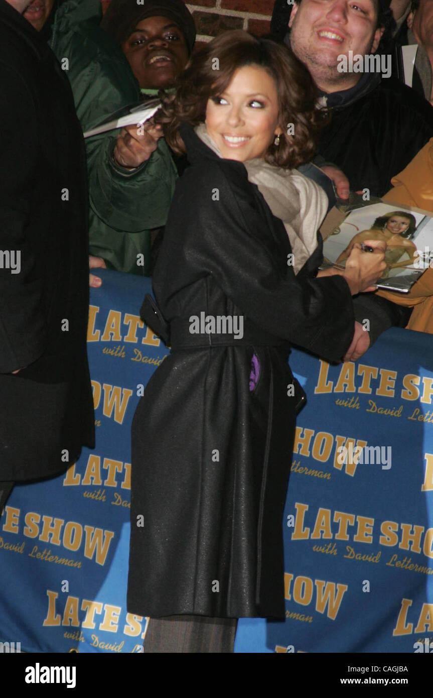 31. Januar 2008 - New York, New York, USA - Gästen verlassen LETTERMAN zeigen. ED SULLIVAN THEATER 31.01.2008. Stockbild
