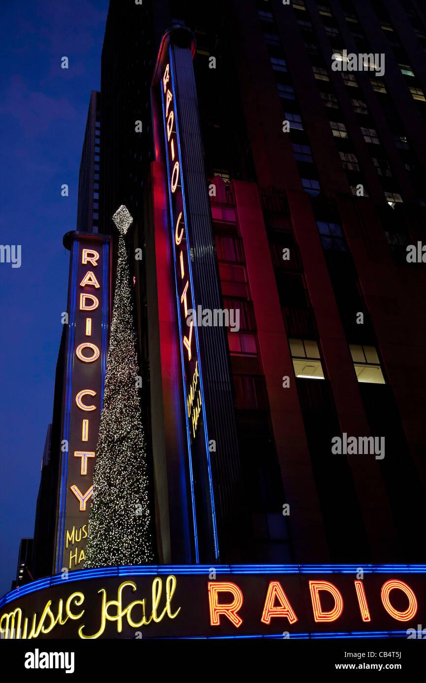 Radio City Music Hall, Saison Weihnachtsschmuck, Rockefeller Center ...