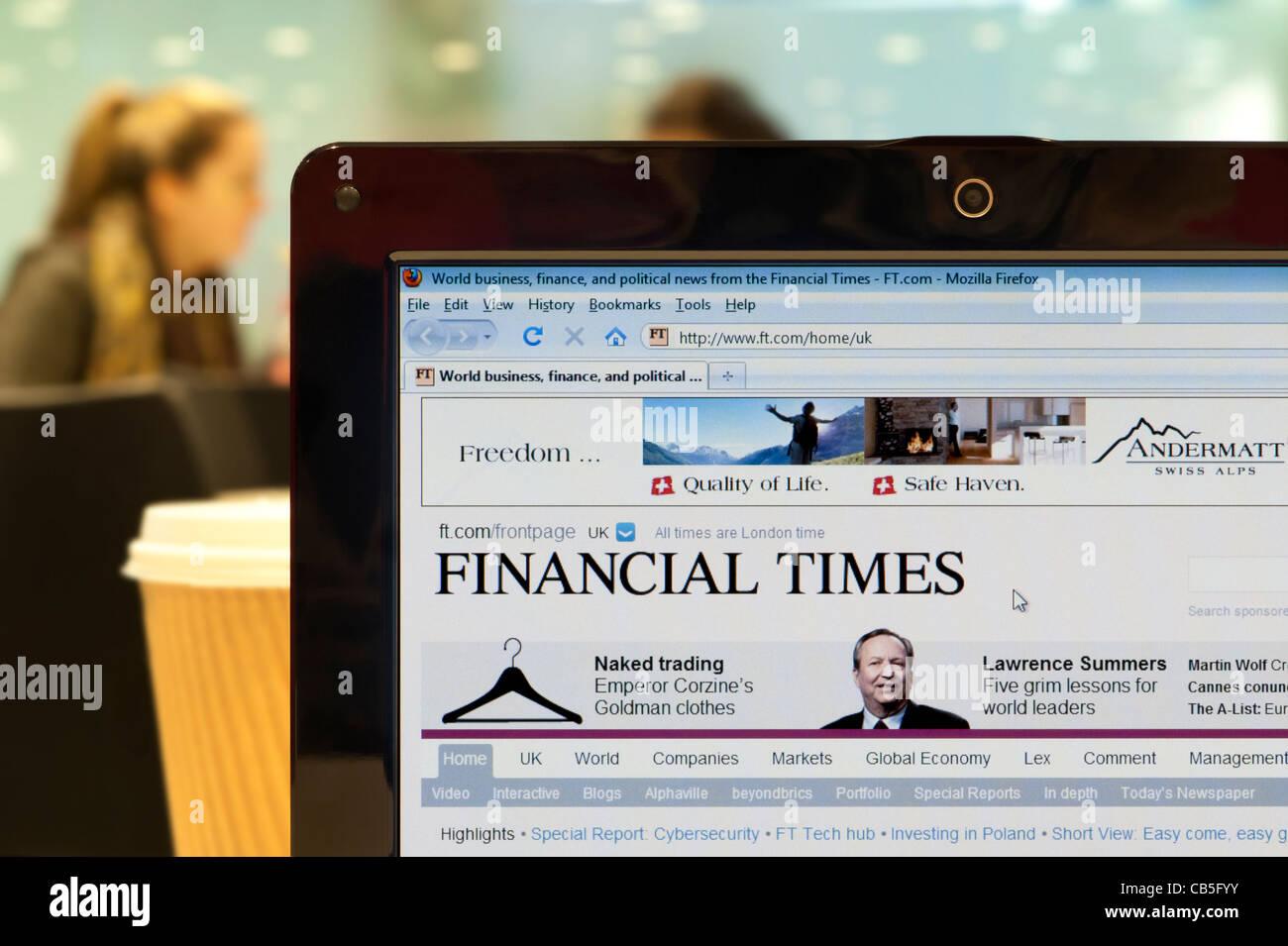 Die Financial Times Website erschossen in einem Coffee-Shop-Umfeld (nur zur redaktionellen Verwendung: print, TV, Stockbild