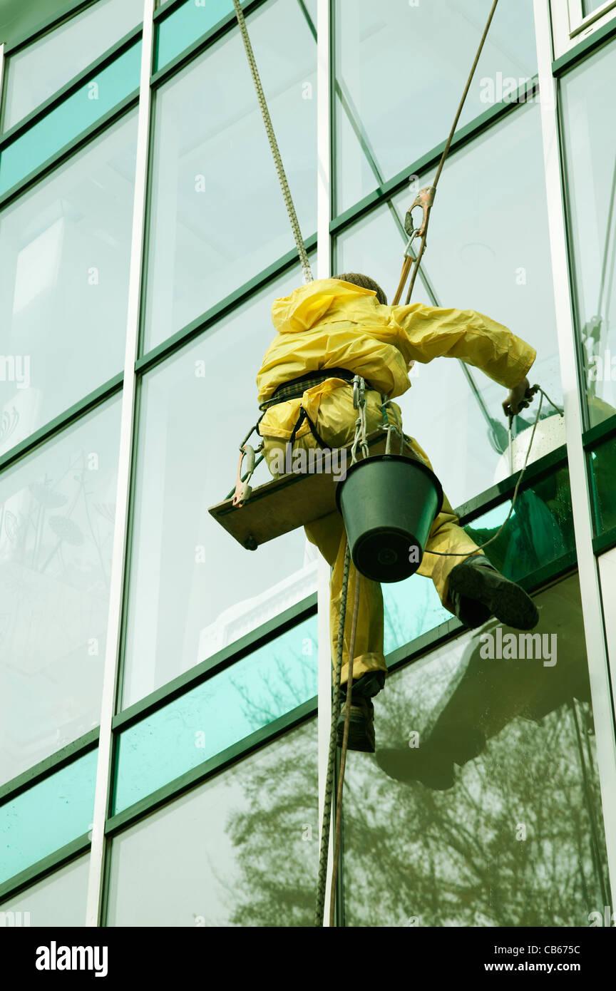 Fenster Reiniger Mann Klettern Eine Hochhaus Fassade Stockfoto Bild